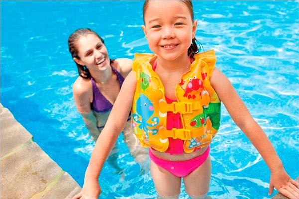 Детский надувной жилет для плавания